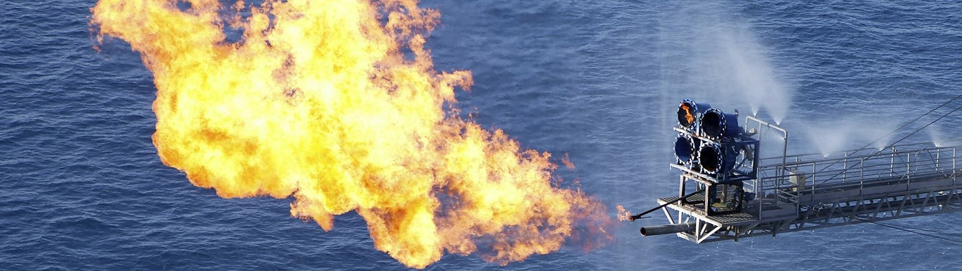 Offshore oil rig flaring gas for well testing