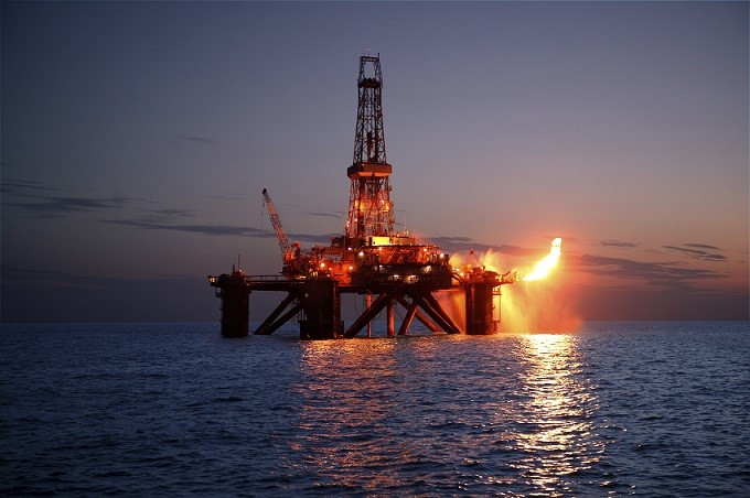 Drill stem test in an offshore oil rig